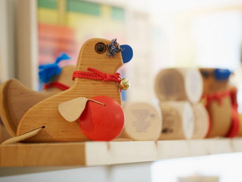 Wunderschönes Holzspielzeug und tolle Arbeiten aus Behindertenwerkstätten