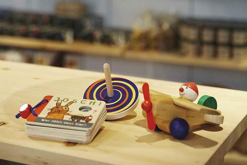 Handwerkliches für Küche, Schreibtisch und Kinderzimmer – aus Papier, Stoff und Holz.