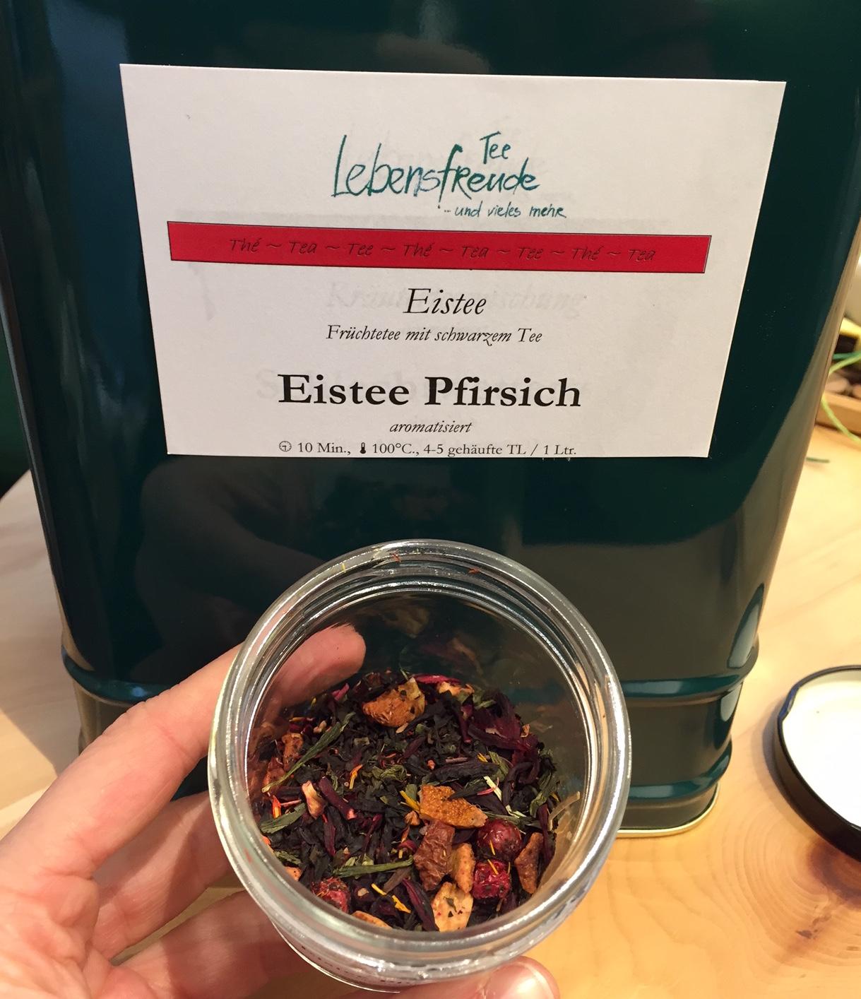 """Tee des Monats Mai: Früchtetee mit schwarzem Tee """"Eistee Pfirsich"""""""